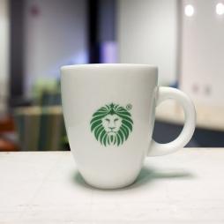 Tách cà phê Latte ý quai C in logo Lion Coffee (Trắng)