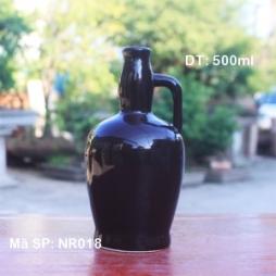 Chai rượu sứ dáng Chivas (Đen)