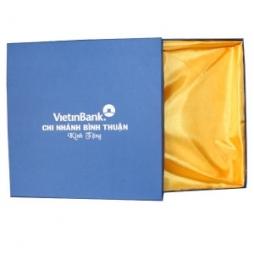Hộp bát đĩa sứ Viettinbank hộp xanh lót lụa vàng