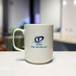 Cốc sứ cao cấp in logo thương hiệu TD Soft (Trắng)
