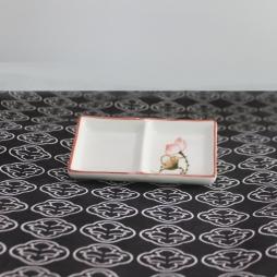 Khay sứ chữ nhật 2 ngăn Sen chỉ hồng vẽ tay (Kem)