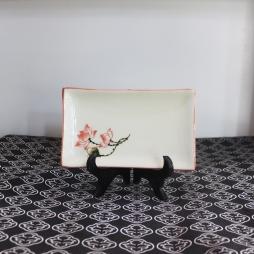 Khay sứ chữ nhật vẽ tay Sen chỉ hồng cỡ S3 (Kem)